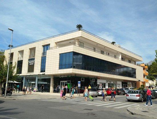 Shopping Centre Merces