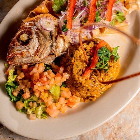 Cabo Rojo, Puerto Rico: Ven y deléitate con nuestros ricos platos criollos, refrescantes tragos de la casa y Shot realizados por nuestro Bartender..🍸🍴
