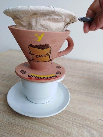 Nuestra especialidad es el café preparado de manera artesanal en filtro de tela: orgánico, económico y reusable.