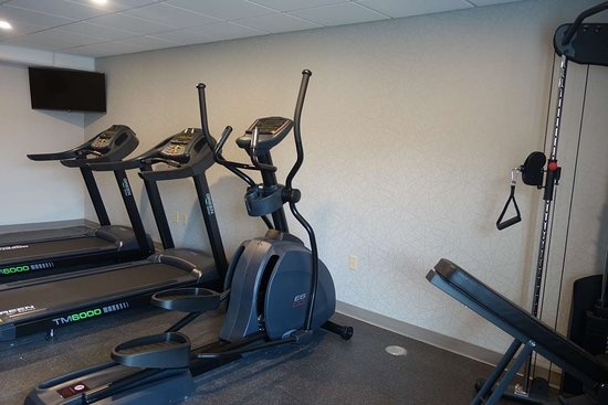 Country Inn & Suites by Radisson, La Crosse, WI: Fitness Room