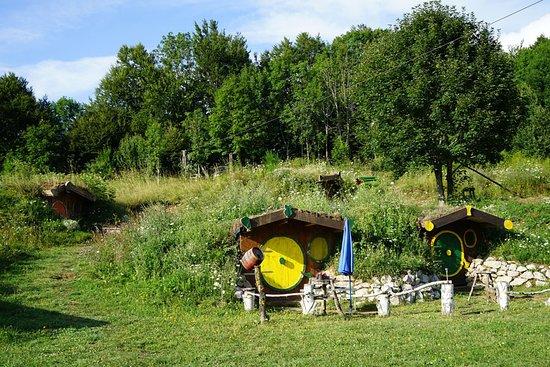 Baske Ostarije, Croatia: Kleine hübsche Höhlen mit Doppelbett.