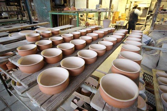 Nizhniye Tavolgi, Russland: Завод керамики в Нижних Таволгах. Прекрасная экскурсия.