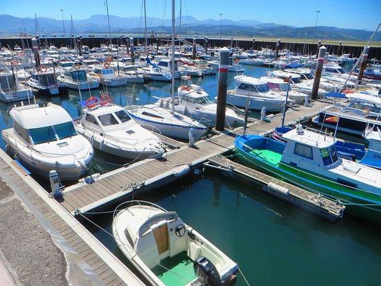 santoña puerto turismo cantabria