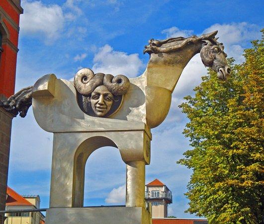 Turm der grauen Pferde