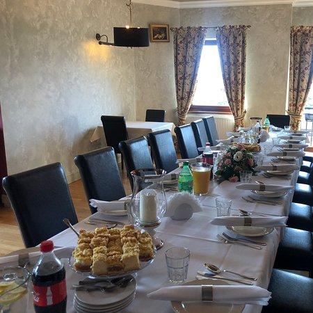 Cisie, Polen: Planujesz obiad w gronie najbliższych? W La Veranda Verde poproś o Prywatny pokój !