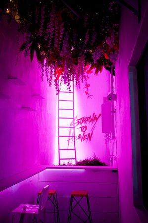 Stairway to Heaven secret alley.