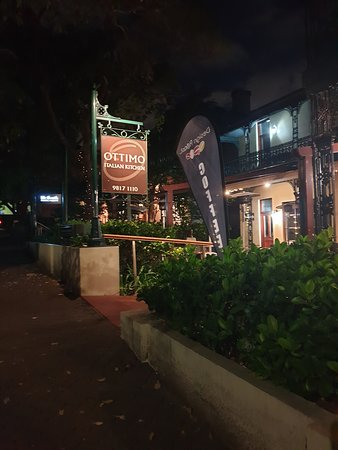 Hunters Hill, Australia: Outside signage good and visible