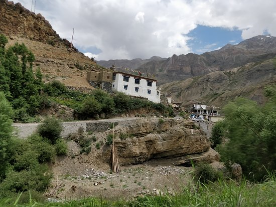 Dhankhar, India: Sagnam Village lies in the Pin Valley of Spiti Region. Its 13kms before Mudh.