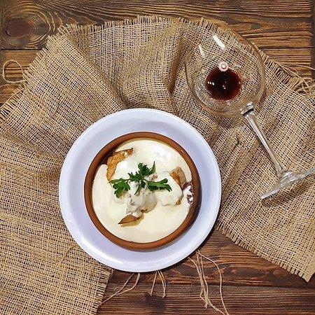 Курча по-чмерульськи😍 Зізнайтесь,вже слюньки потекли?🤤😊 🇬🇪 🇬🇪 🇬🇪 #унасдорогілишегості #Хінкальня #Гірчичне_Зерно #грузинська_кухня #хінкальняужгород #салати #супи #2страви #холоднізакуски #хінкалі #хачапурі #мангал #соуси #шоті #десерти #вино #чача #кава #чай #кухня #розіграш #затишок #камін #uzhhorodgram #хінкальняужгород #hinkali #khachapuri #хорчула #спеції #порадищодоприготування