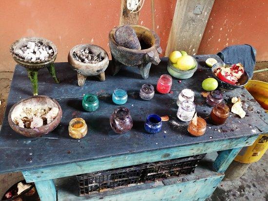 San Martin Tilcajete, Mexico: Explicación del teñido natural