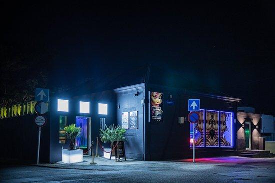 7 Club Lounge