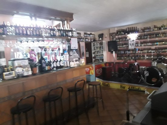 Jimera de Libar, Spania: The bar area