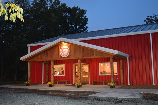 McCune Farm to Market is an Old fashioned Cafe' and Grocery that takes you back to yesterday. Handmade & homemade is there motto with much of the meats & produce being raised locally. A definite MUST for Breakfast or Lunch. Open 7 days a week.
