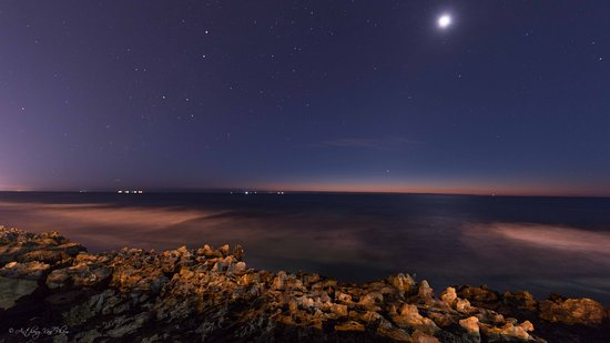 Watermans Bay, Australia: Watermans Reef Observation Area Beautiful night view on the west coast of Western Australia Anthony Van Pham Photography