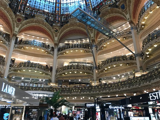 Paris VIP Shopping Experience with Lounge Access, Lunch and Transfer Φωτογραφία