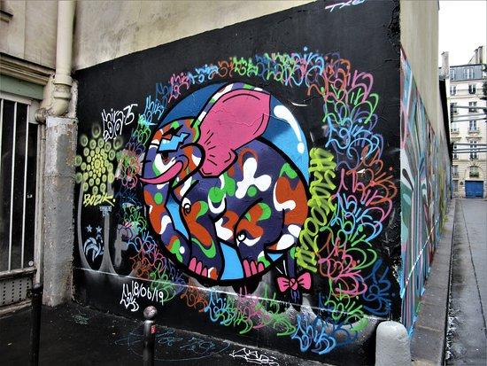 """Fresque """"La ronde des éléphants"""""""