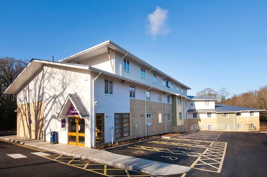 Premier Inn Christchurch Highcliffe hotel