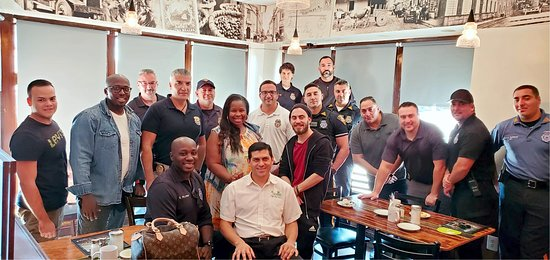 Prospect Park, Nueva Jersey: Coffee With A Cop. It was great interacting with the members of our community. Tucanes Restaurant hosting the event.