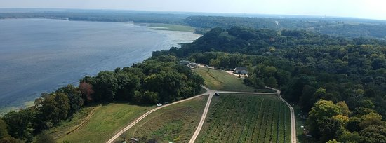 Clinton, IA: Located at the widest part of the Mississippi river - Wide River Winery!