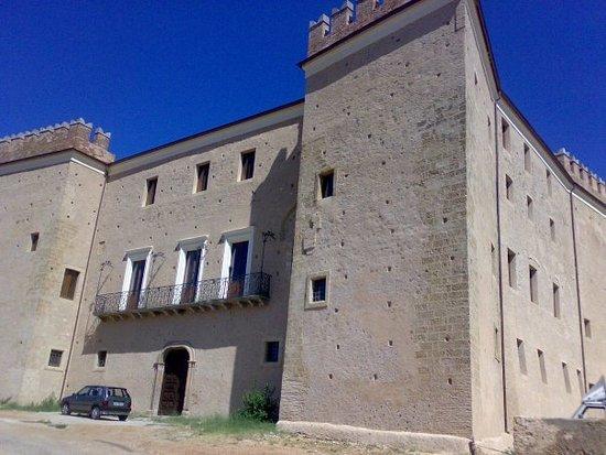 Questo é il Maestoso Castello di San Lorenzo del Vallo