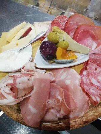 Pietramala, Italia: Affettati e formaggi