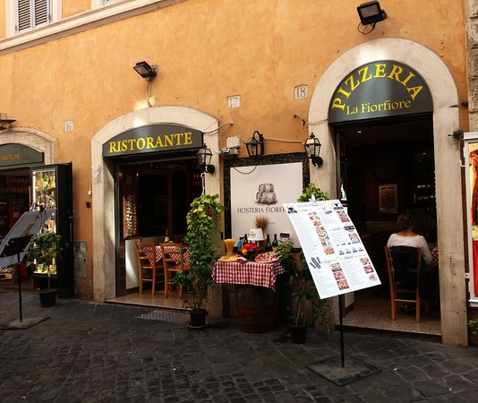 Fior Fiori.Pizzeria La Fiori Fiore On Via Della Croce In Rome Picture Of
