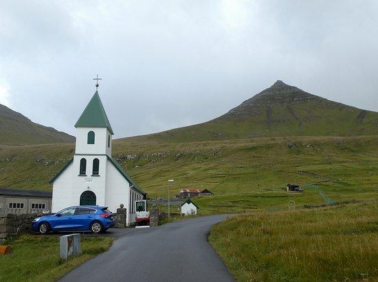 Gjogv, Faröer Eilanden: 小さなかわいらしい教会