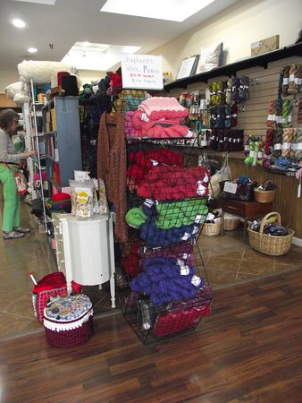 NY - GUILDERLAND - HAMILTON SQUARE - CECE'S WOOL - DISPLAY NEAR FRONT OF STORE