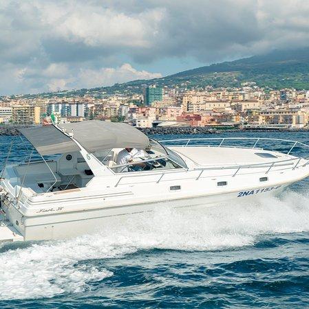 Palomba Yachts Charter