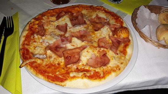 Herdorf, Германия: Pizza ai 4 Formaggi