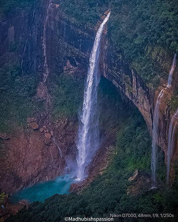 Excellent view of a Waterfall