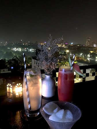 Chill out in the central of Hanoi