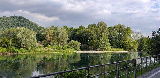 Passeggiata lungo  il fiume