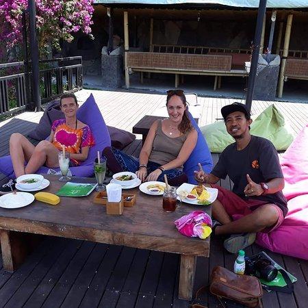 Driver like Boss ,  Thanks for joint with me again,   https://yabaligili.id/ https://yogiartha63141.wixsite.com/yabaligili  #yabaligili #tripadvisoryabaligili #gili #lembongan #lombok #nusapenida #fastboat #balicili #baligasm #explorebali #balidaily #wonderfulindonesia #baliguide #baliisland #baliindonesia #explorebali #visitbali #balitrip #baliholiday #balitravel #ubud #バリ #バリ島旅行 #バリ島観光 #日本語ガイド #女子旅  @cnb.leather