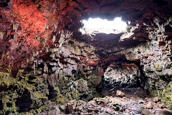 SuperSaver: Small-Group Lava Caving ...