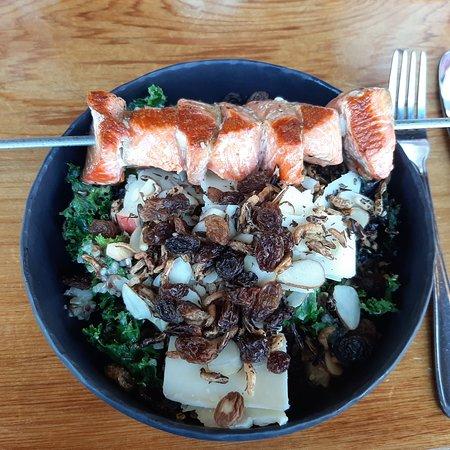 Salmon & Kale salade