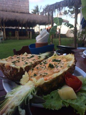 Esse é o famoso camarão no abacaxi!!!