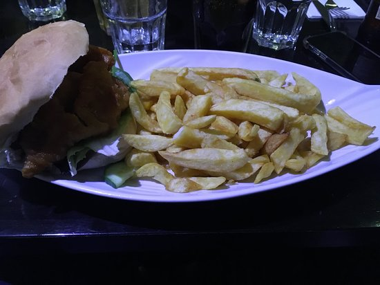 Fish Finger Sandwich & chips