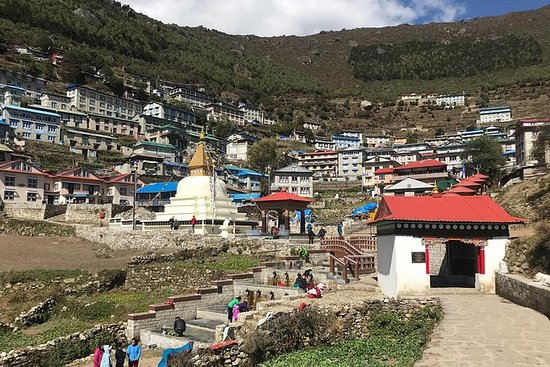 Caminhada no Everest Namche Bazaar de...