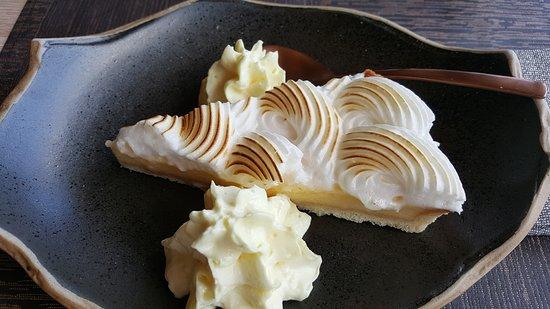 Pastel de limon con nata