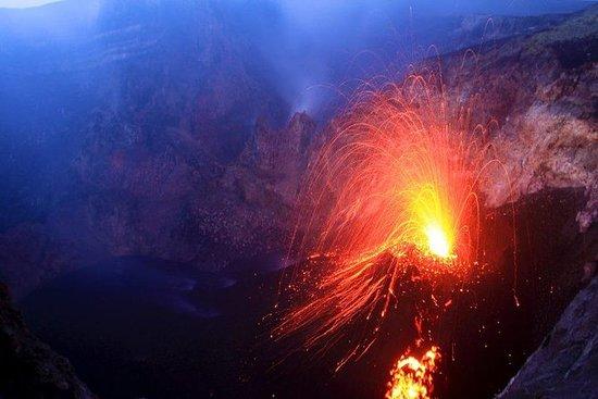 埃特納火山,山頂隕石坑