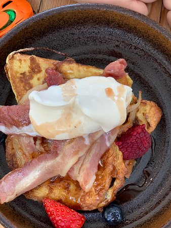 Kids french toast brioche with maple bacon and vanilla cream : he never left a crumb