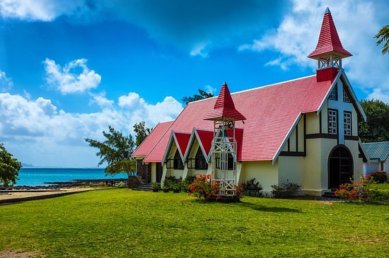 Cap Malheureux: The famous red church