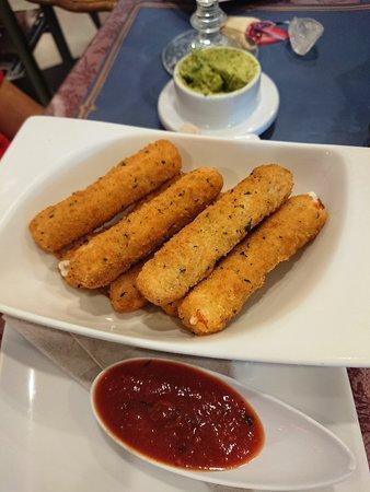 אמירות שארז'ה, איחוד האמירויות הערביות: Mozzarella sticks
