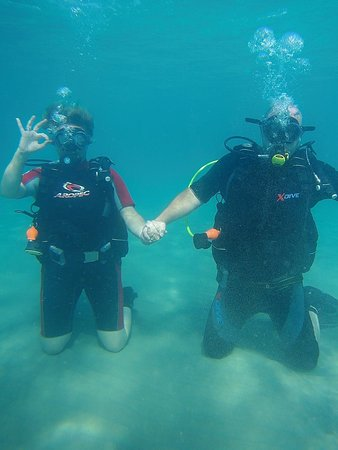 Happy diving couple!