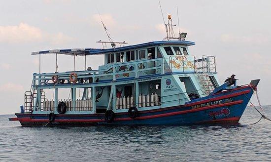 PADI open water: bateau pour la plongée en mer.