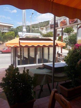 Loutra Elenis, Hellas: Πολυγευστον λουτρα ωραίας Ελένης