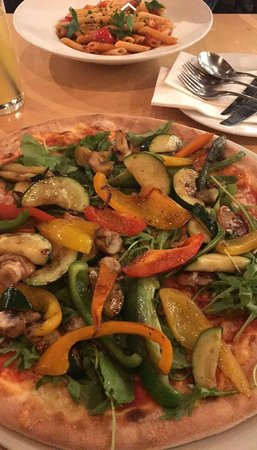 OLive Eat & Drink: Pizza e Pasta