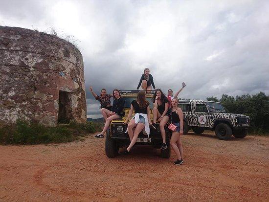 Benafim, Portugal: Great bunch of beautiful girls