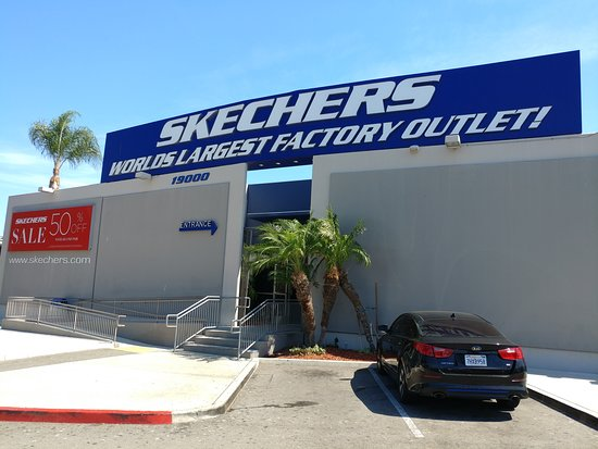 Mostrarte Conclusión Restricciones  Skechers Factory Outlet (Gardena) - 2021 All You Need to Know BEFORE You Go  (with Photos) - Tripadvisor